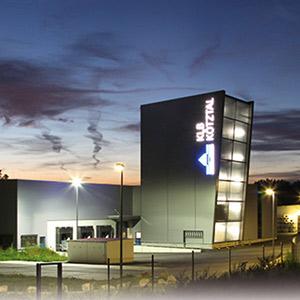 Für die Werkserweiterung der KLB Kötztal GmbH in Ichenhausen übernahm SCHUSTER engineering unter anderem die Tragwerksplanung.