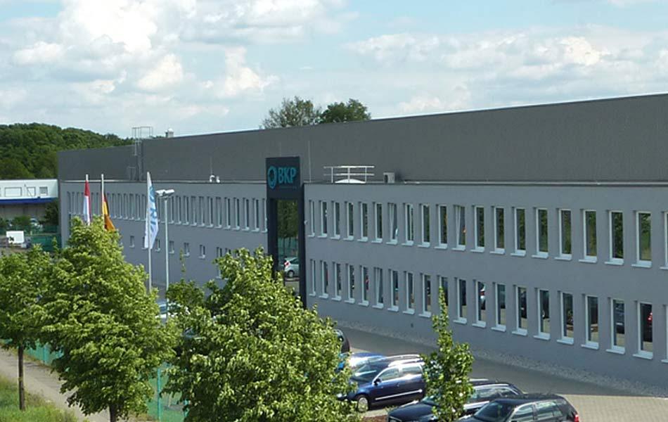 Neubau Fertigungshalle und Bürogebäude