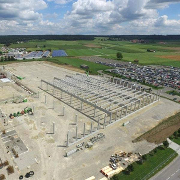 Auf einer Grundfläche von 36.000 m² entstand 2015 die Halle 13 auf dem Gelände der Firma GROB