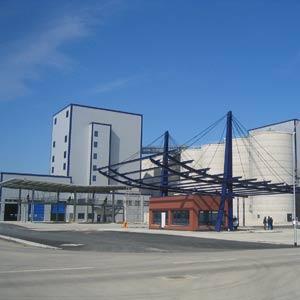 Eingangsbereich der Bioethanolanlage Schwedt. Schuster engineering war hier Baugeneralplaner für die Gesamtanlage.