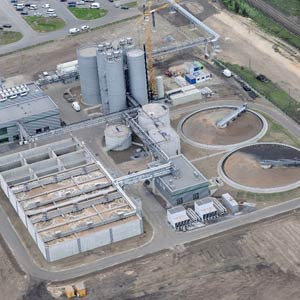Beim Bau der Industriekläranlage des Trink- und Abwasserzweckverbandes Oderaue TAZV in Eisenhüttenstadt wurde Schuster engineering mit der Bau- und Tragwerksplanung beauftragt.