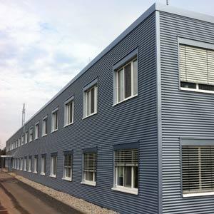 Für Packwell Schepnitz plante SCHUSTER engineering die Erweiterung des Produktionsgebäudes sowie die dazugehörige Verladung.