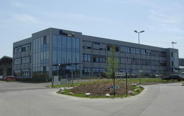 Verwaltungsgebäude und Produktionhalle der Kardex AG in Neuburg wurden von SCHUSTER engineering geplant.
